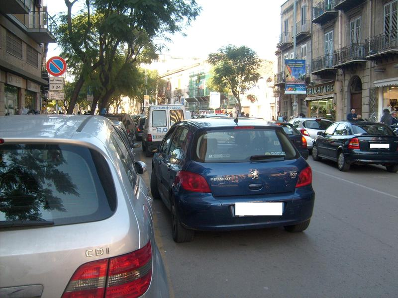 Pescara Street control: 63 auto multate in doppia fila