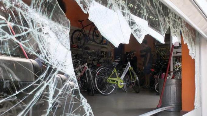 Chieti: furto di bici in negozio per 30.000 euro