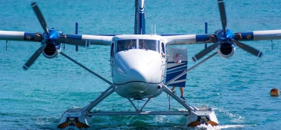 L'idrovolante Pescara-Spalato decolla