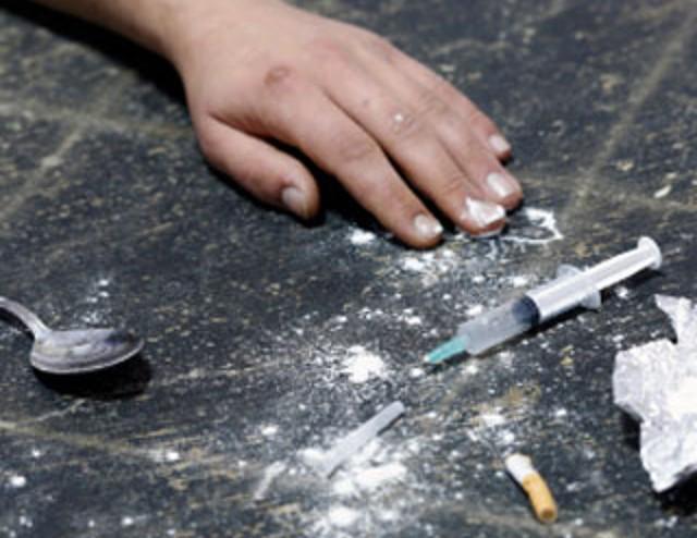 Ai domiciliari, muore per overdose a Teramo