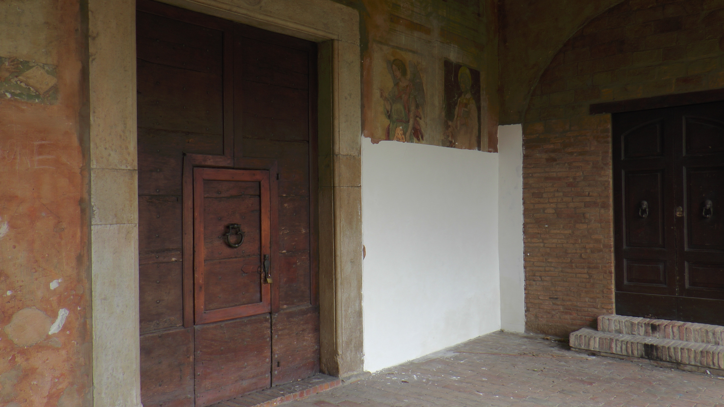 Montorio al Vomano, nessun affresco è stato coperto