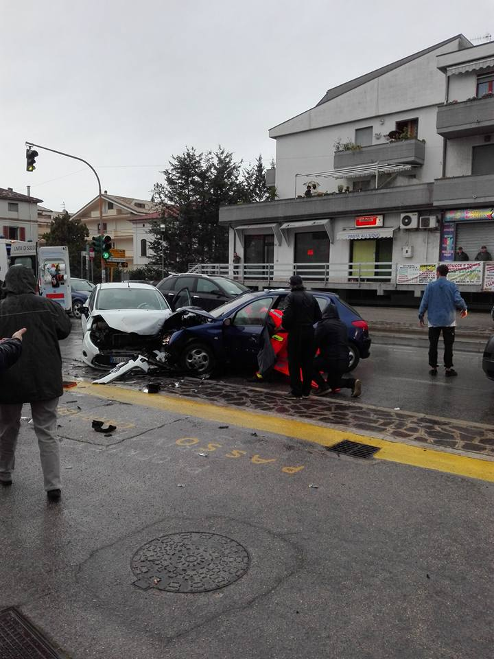 Incidente a Silvi, tre feriti in ospedale