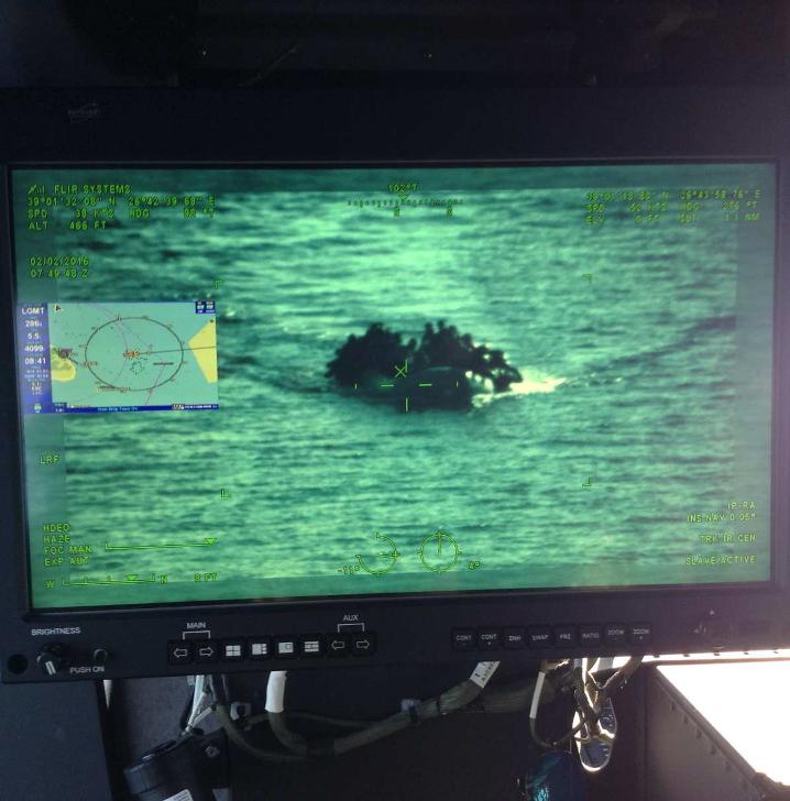 8 Gommone di migranti intercettato dagli apparati di bordo dell'elicottero AW139GC
