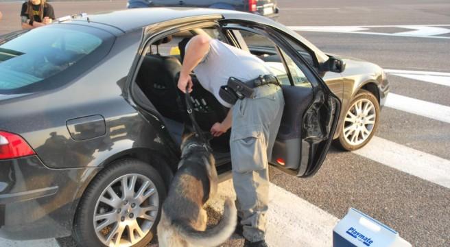 Chieti: cocaina in auto, ma il corriere non sapeva del carico