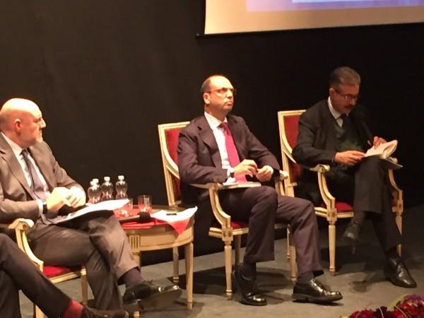 Chieti: Alfano al Marrucino per presentare il suo libro