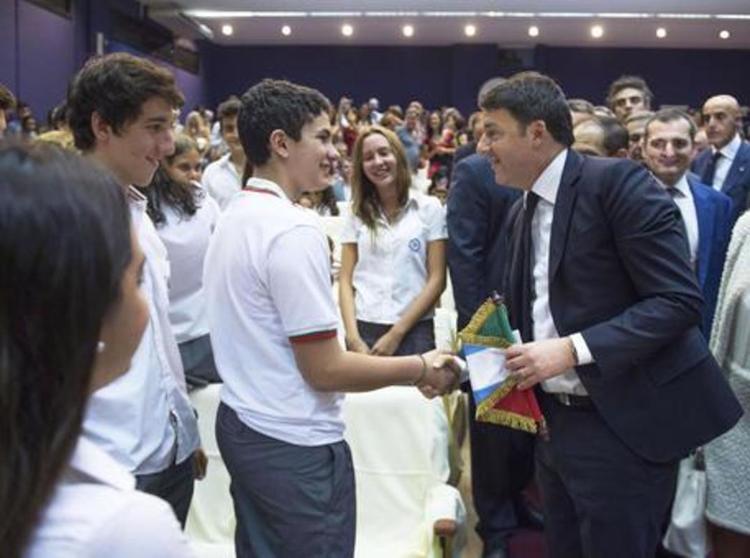 Renzi ed il giovane pescarese a Buenos Aires