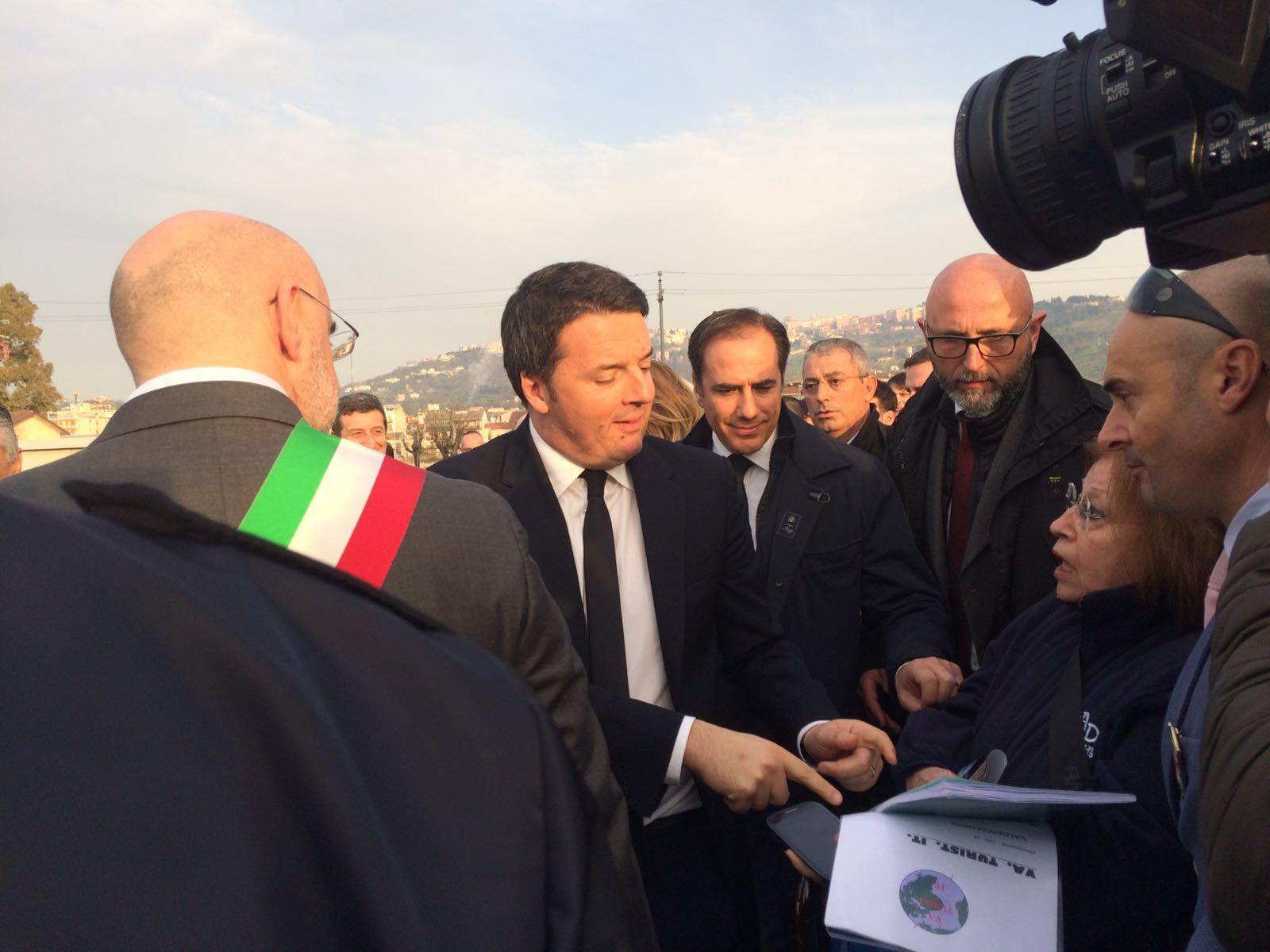 Denunce dopo visita Renzi a L'Aquila. No Ombrina respinge le accuse