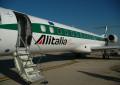 Pescara: cancellato volo Alitalia per Milano, passeggeri furiosi