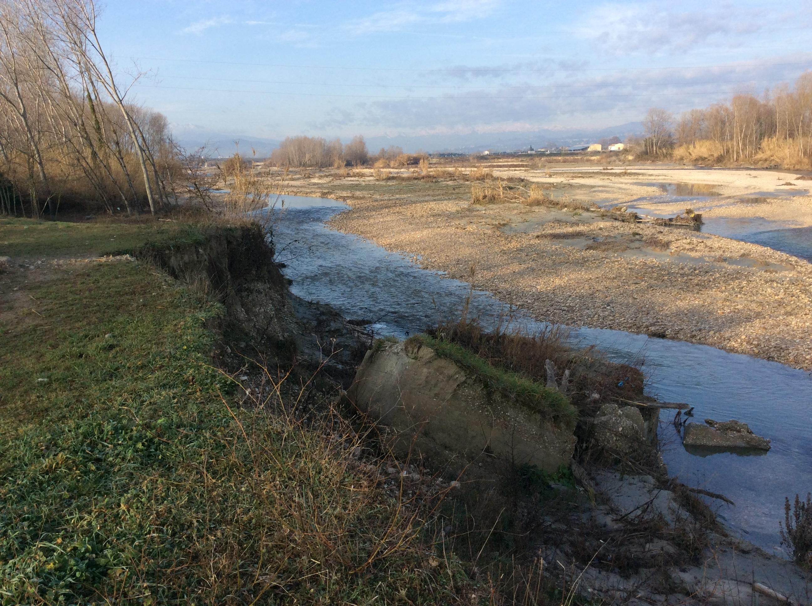 Mettere in sicurezza l'argine del fiume Vomano