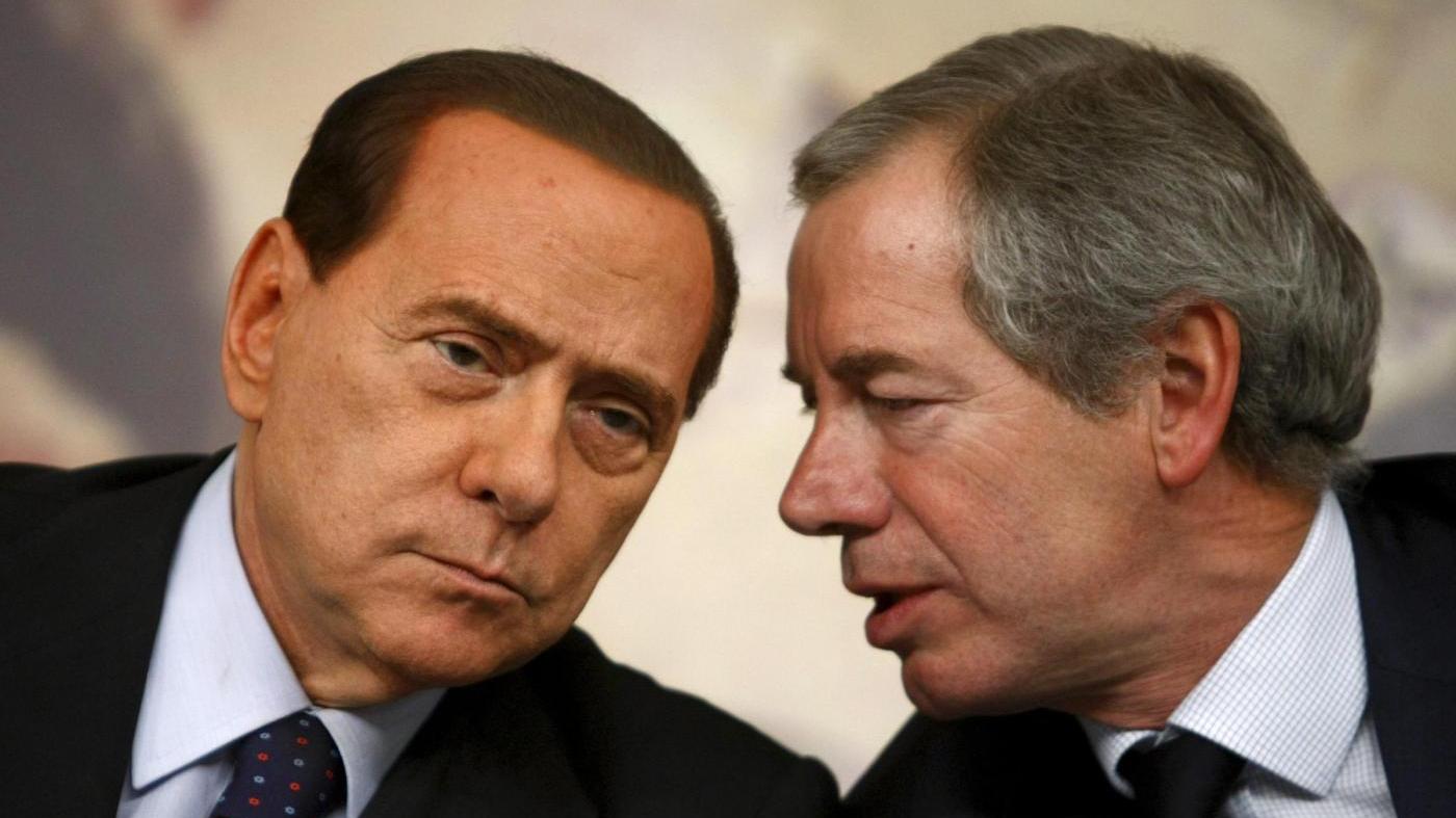 Il M5S critico con Berlusconi e Bertolaso