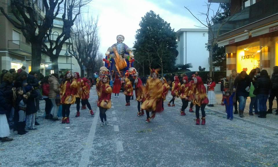 Carnevale d'Abruzzo: ieri la seconda sfilata a Francavilla
