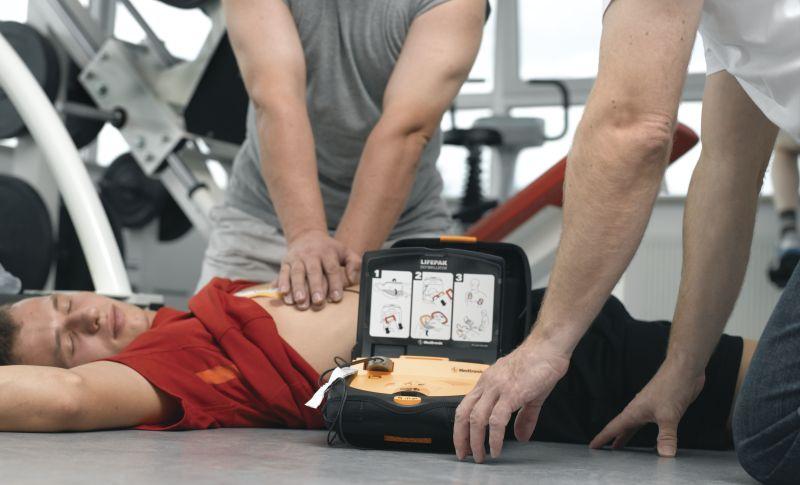 Montesilvano virtuosa per i defibrillatori