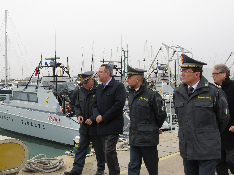 Il Prefetto visita la GdF di Pescara