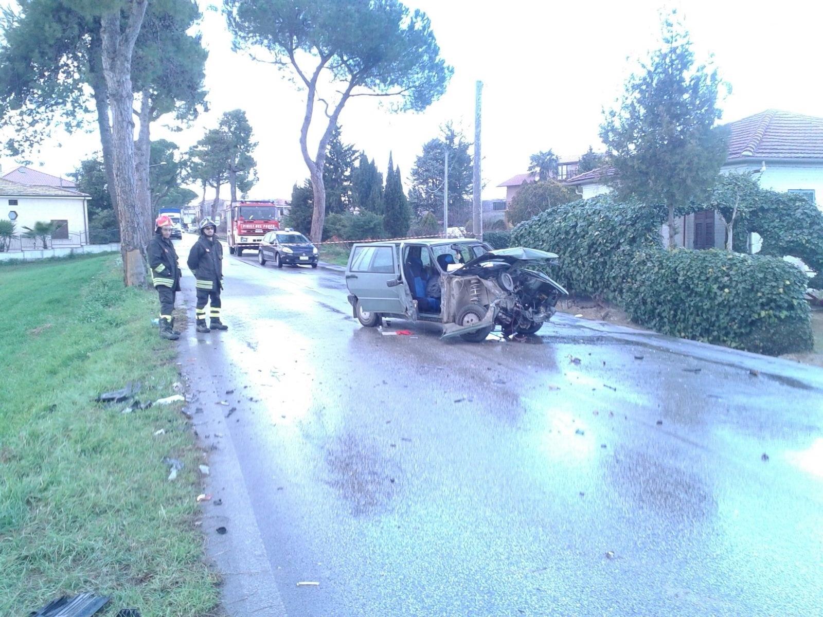 Incidente stradale: violento frontale tra due auto a Corropoli