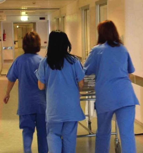 """L'Aquila: no remunerazione extra """"tempo-tuta"""" per infermieri"""