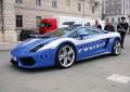 L'Aquila, rene in viaggio sulla Lamborghini