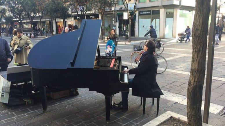 pianista-fuori-posto