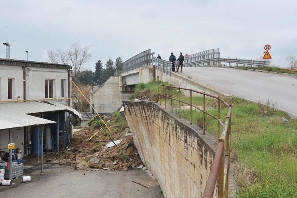 Chieti: Ponte trappola in Via Custoza