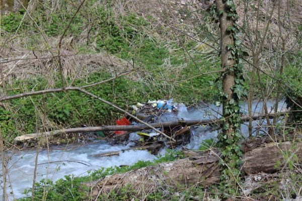 L'Aquila, tubature intasate dai rifiuti: sabotaggio?