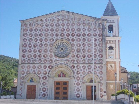 Manoppello: lavori per l'accoglienza turistica al Volto Santo