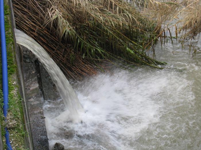 Pescara: D'Alfonso sul fiume a caccia di scarichi abusivi