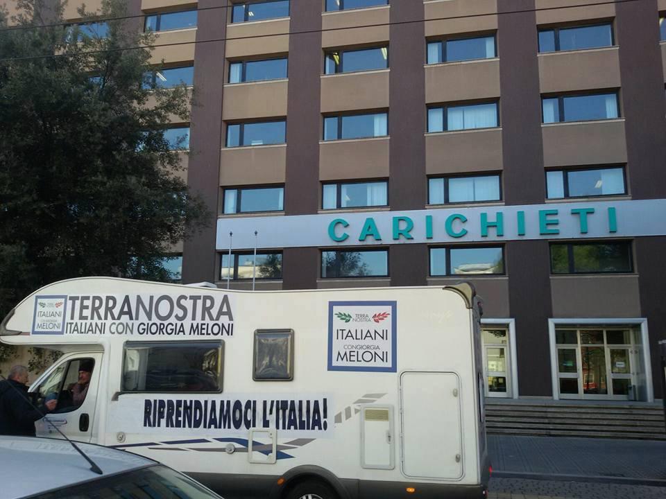 TerraNostraTour, flash mob davanti a Carichieti