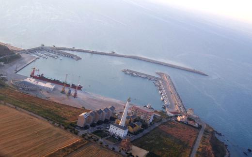 H2O denuncia fanghi del dragaggio a Punta Penna