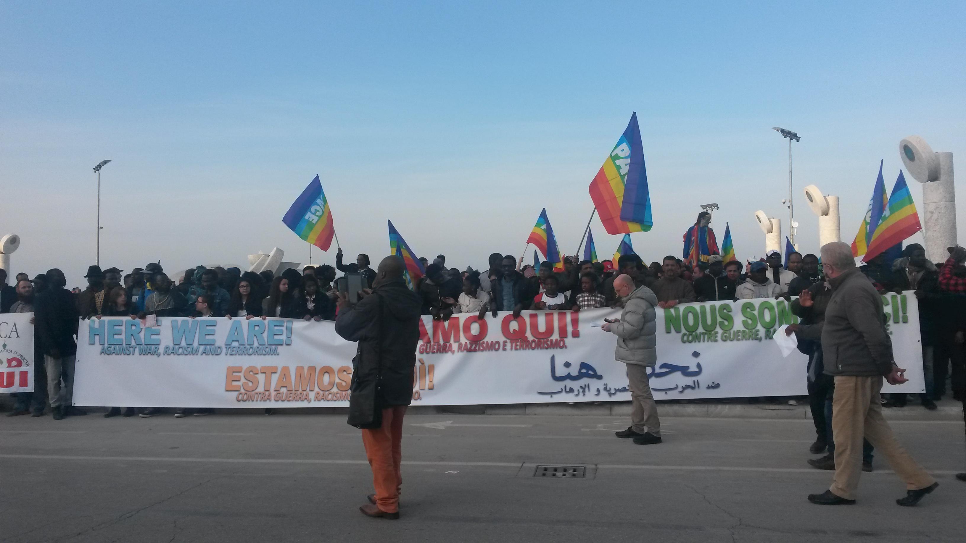 Pescara: in marcia contro guerra, razzismo, terrorismo (Video)
