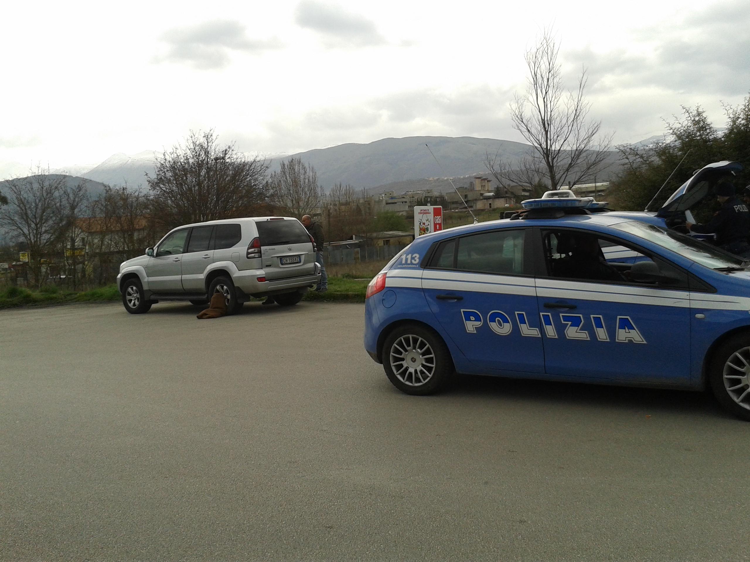 Suicidio a L'Aquila nel piazzale dell'Amiternum, si spara ex dipendente comunale