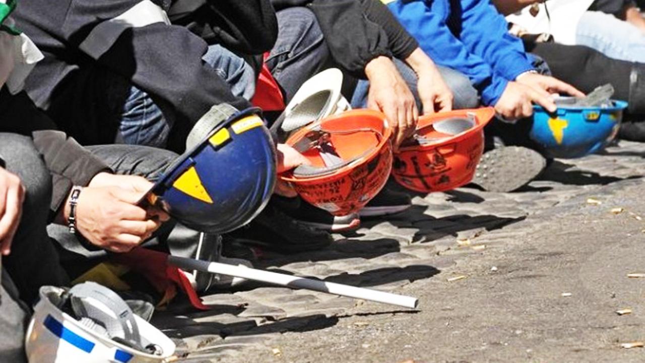 In Abruzzo a rischio 200 posti nel comparto petrolio-energia