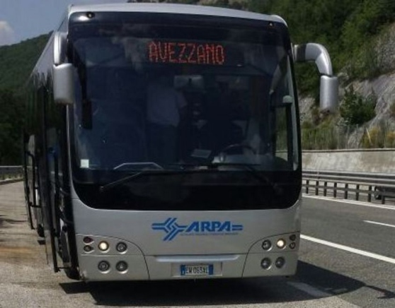 Autobus Arpa in panne: Pendolari all'addiaccio sull'A24