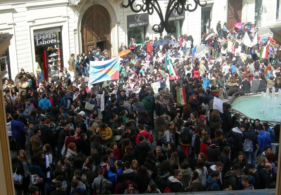 Chieti: duemila studenti contro le mafie