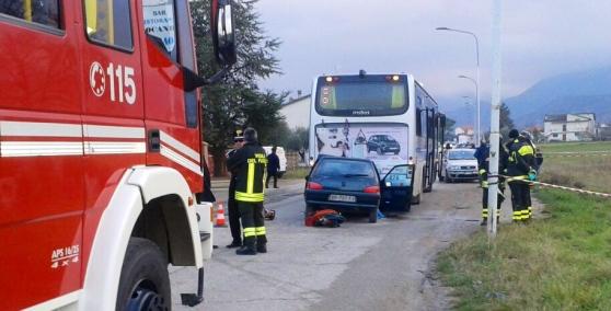 Bus carico di studenti si scontra ad Isernia