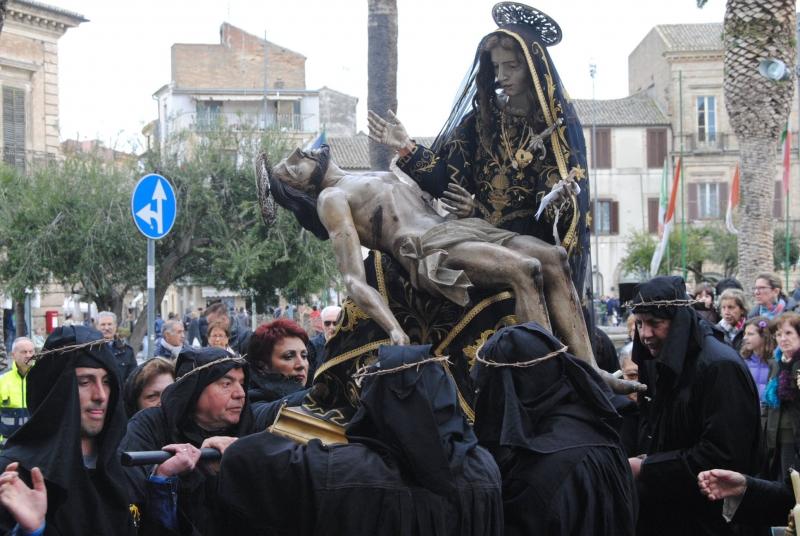 La processione del Sabato Santo a Vasto