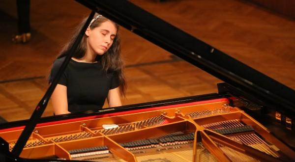 Accademia Musicale Pescarese: Il talento della Candotti in concerto