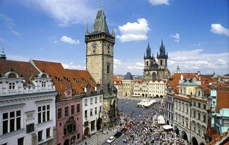 Avvocato di Alba Adriatica investito a Praga