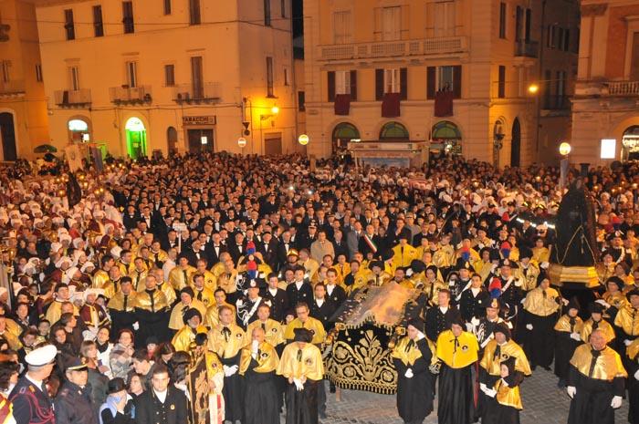 Processioni Venerdì Santo: in tanti a riti in Abruzzo