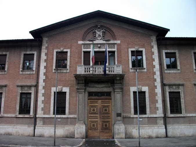 """Avezzano, Villa Torlonia: """"Granai per Giurisprudenza"""""""
