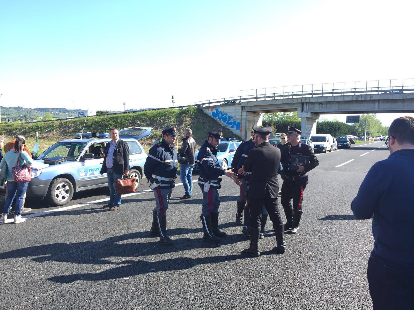 Tamponata una vecchia Fiat 500, due vittime nel Chietino