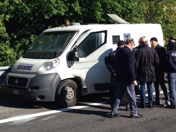 Rapina a portavalori su a14 a Pescara