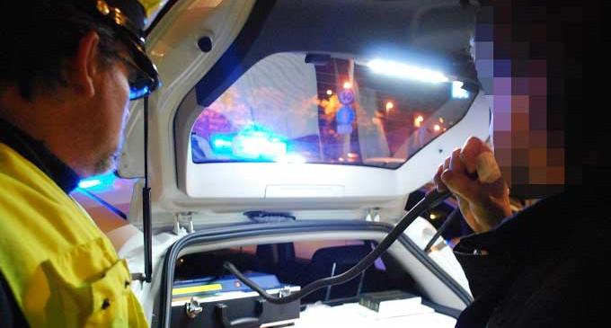 Pescara, incidenti dopo movida: distrutte auto e un negozio