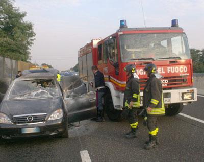Montesilvano: Auto a fuoco paura sulla circonvallazione
