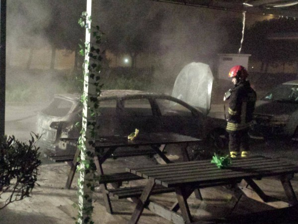 Alba Adriatica: In fiamme l'auto del titolare di un Night