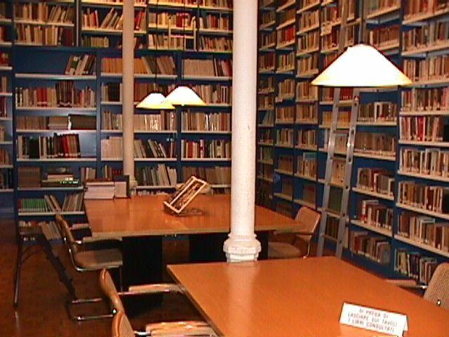 Chiusa per terremoto la biblioteca regionale di Chieti