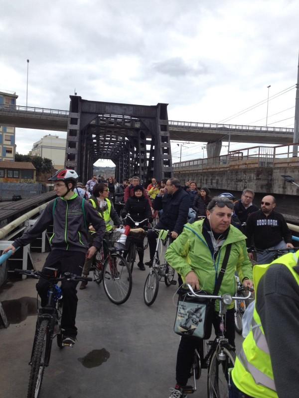 Pescara, oggi il Tour dei ponti in bicicletta