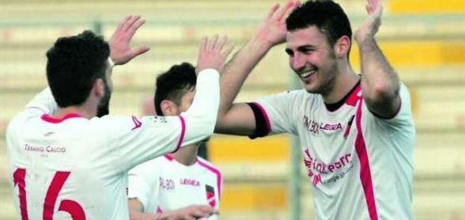 Lega Pro – Teramo Rimini, botta e risposta in 1′