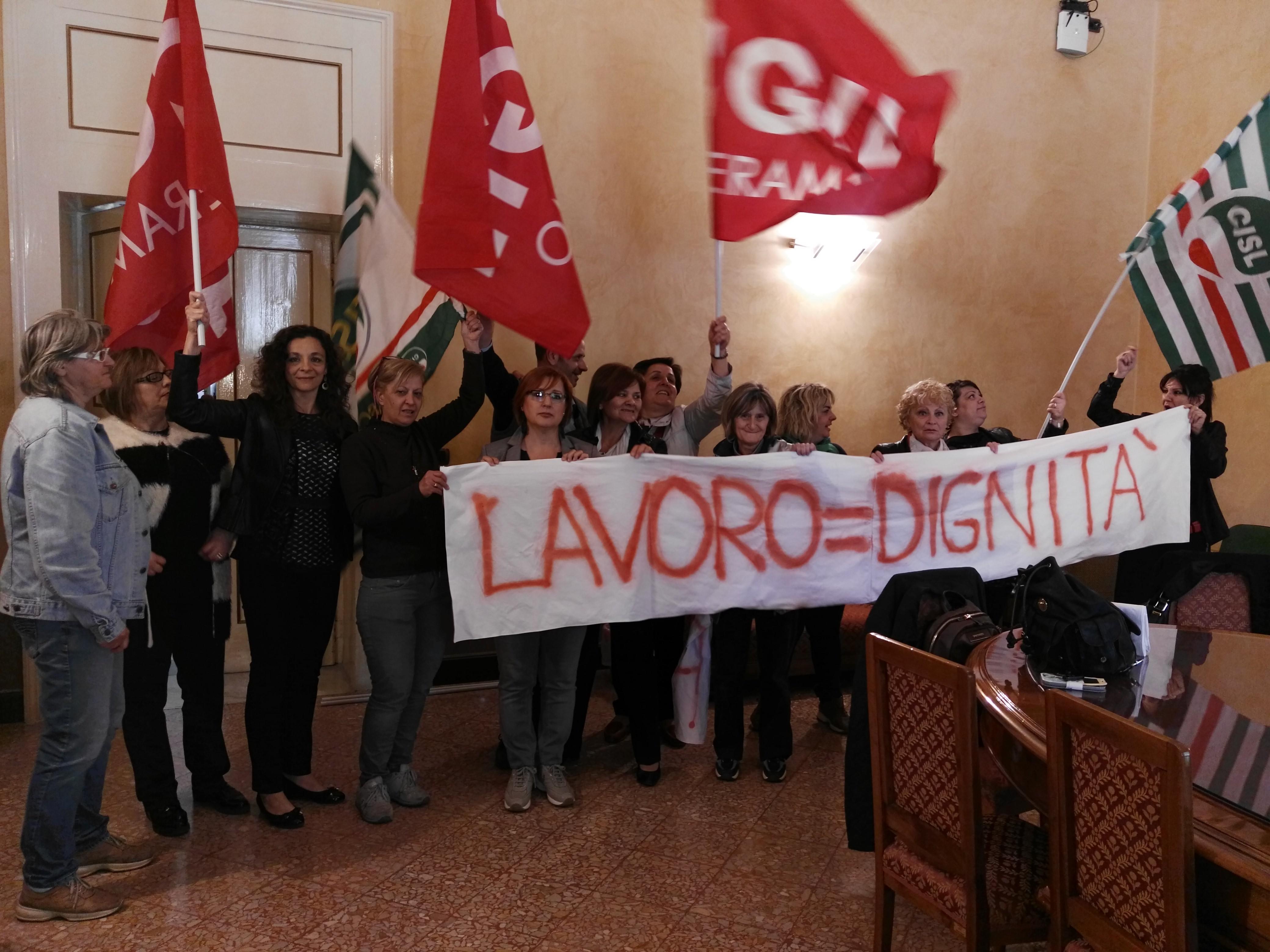 Pasti Asl Teramo: presidio permanente dei dipendenti ex Pap