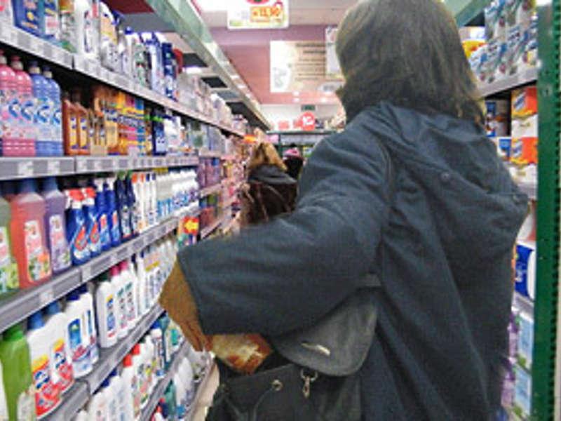 L'Aquila furto al centro commerciale, denunciate due rumene