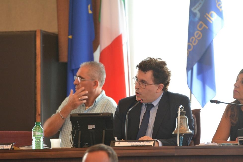 Pescara, opposizioni unite nel chiedere le dimissioni di Blasioli