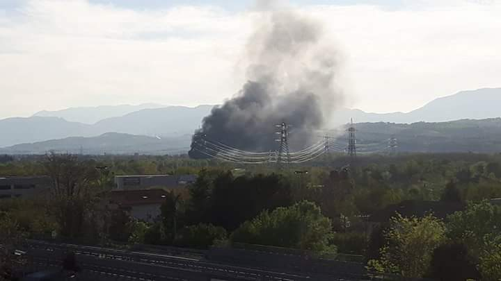 Incendio in un vivaio a Chieti